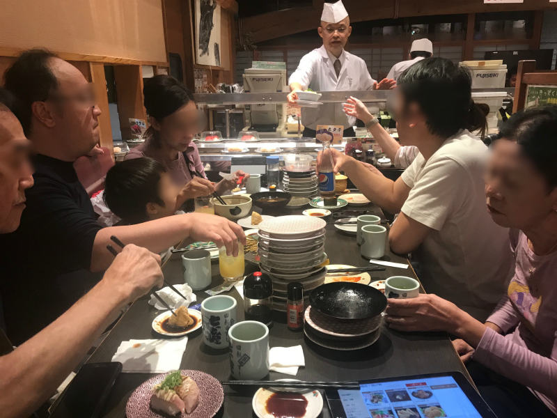 1110-Private-Tour-from-Osaka-to-sushi-restruant-by-Taxi2